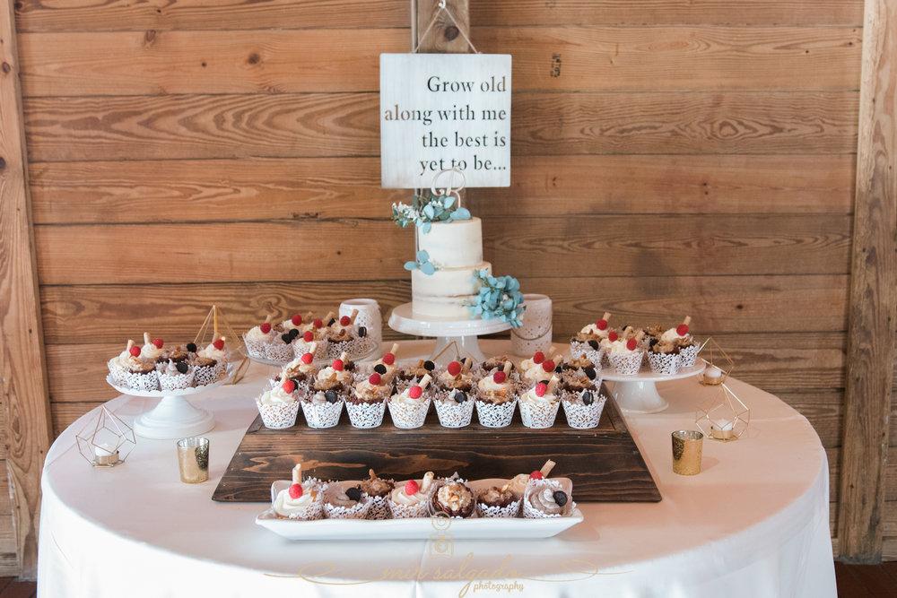 wedding-cake-table, wedding-cake, Tampa-wedding-cake-photo