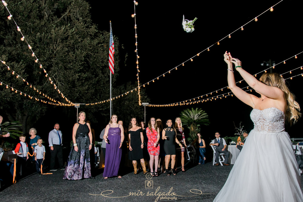 Tampa-wedding-reception-photo, bouquet-toss-photo