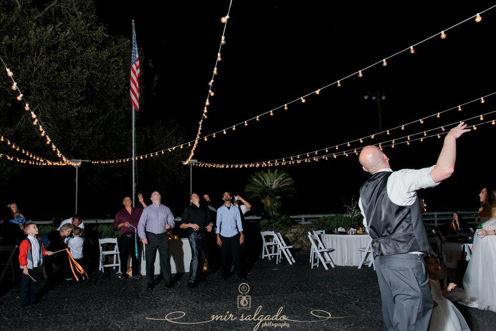 garter-toss-photo, Tampa-photographer