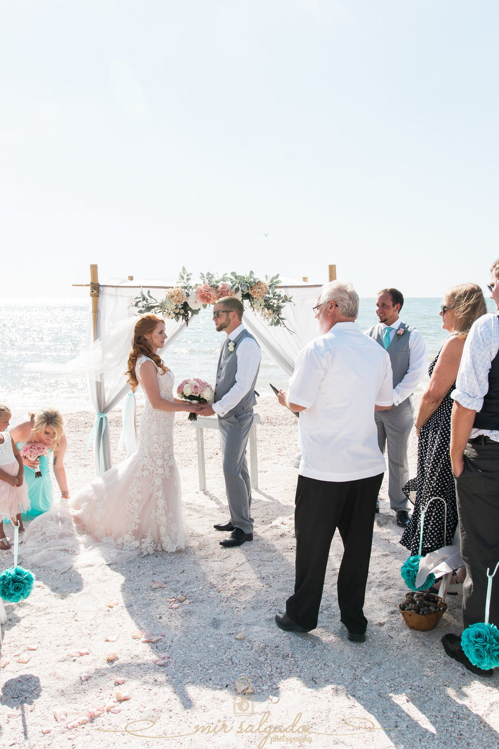 beach-wedding-ceremony, Tide-the-knot-beach-weddings