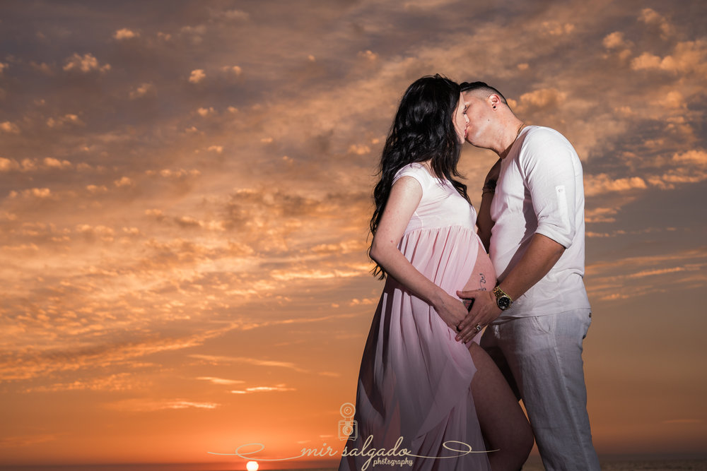 St.Pete-beach-maternity-session, Florida-beach-sunset-maternity-photo