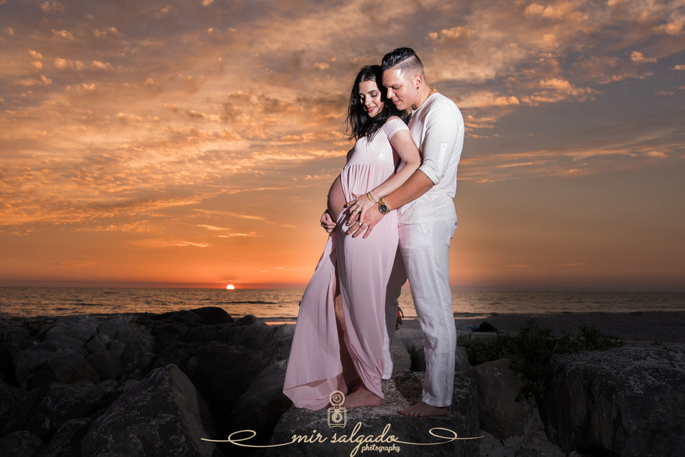 Sunset-beach-maternity-session, Tampa-maternity-photographer