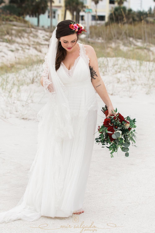 beach-wedding-bride-photo, vintage-beach-wedding