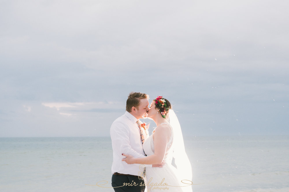 Tampa-wedding-photographer, beach-wedding-photo