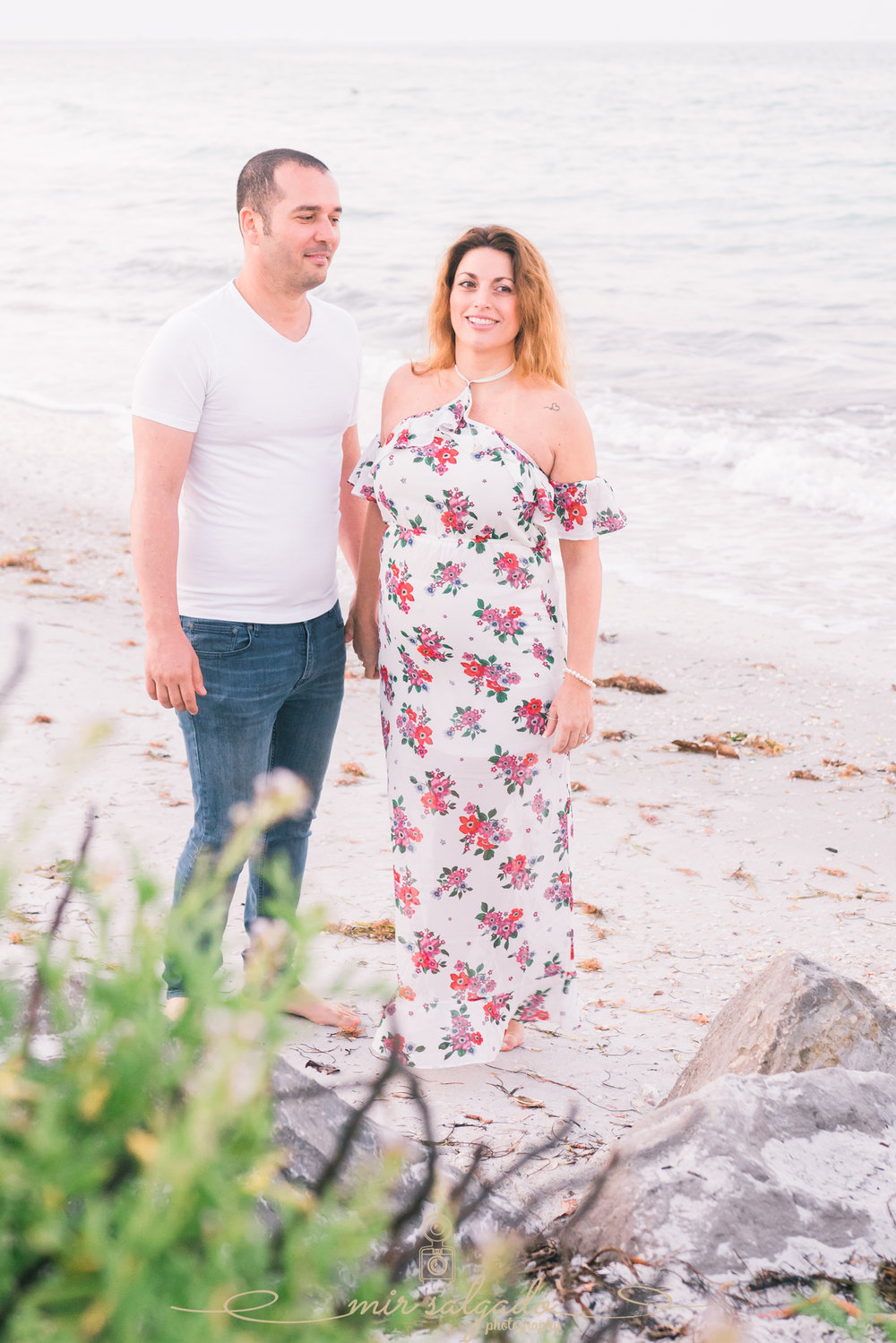 St.Pete-sunrise-maternity-photo, beach-maternity-session