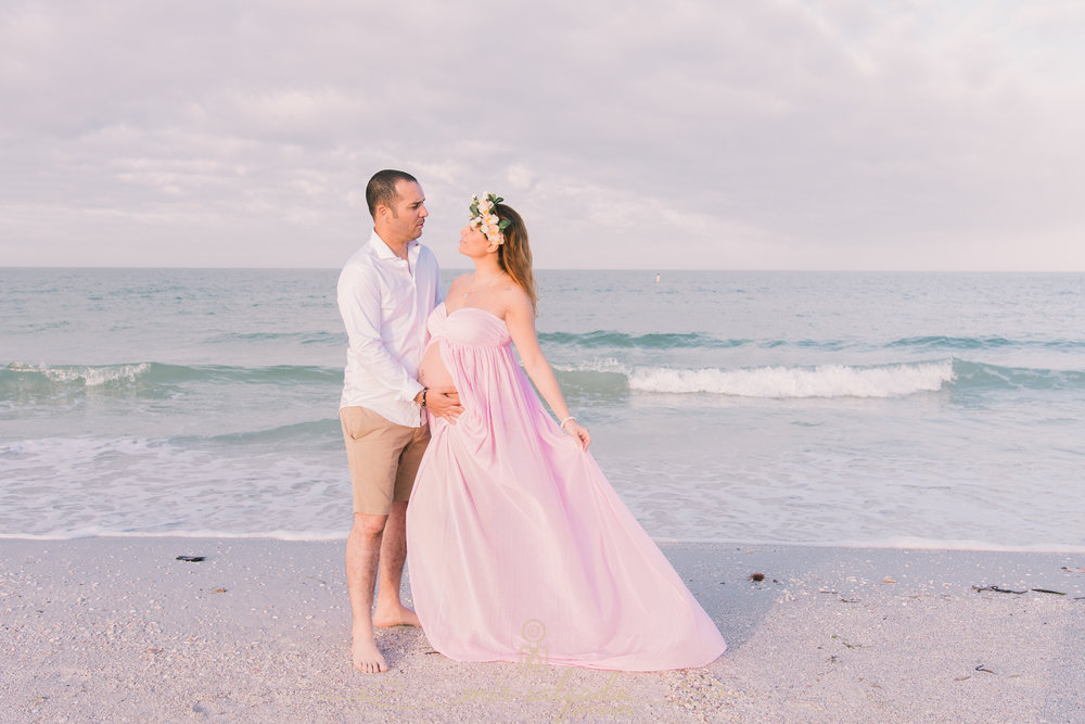 St.Pete-beach-maternity-photo, Tampa-photographer
