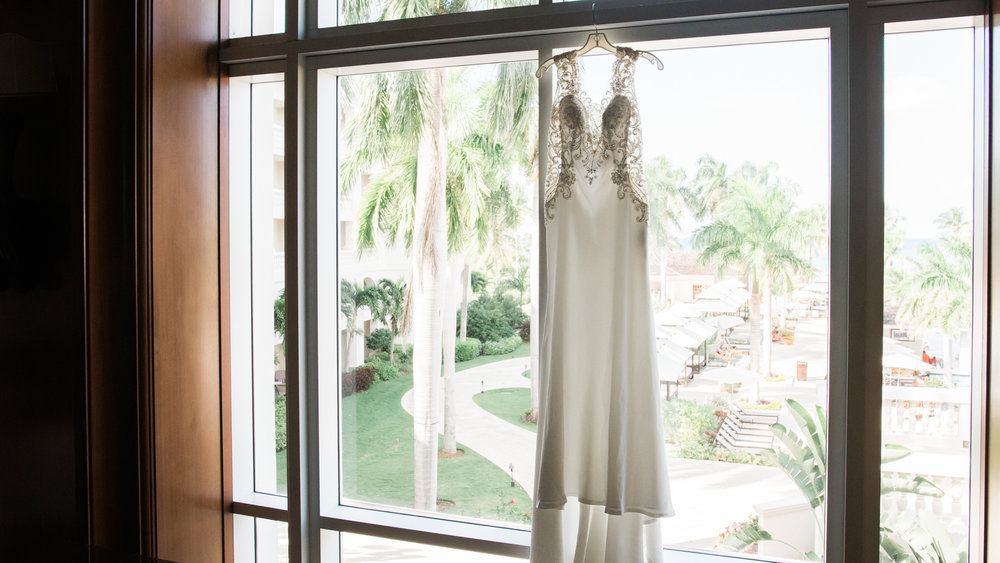 Jamaica-destination-wedding, Wedding-dress-photo, Tampa-wedding-photographer