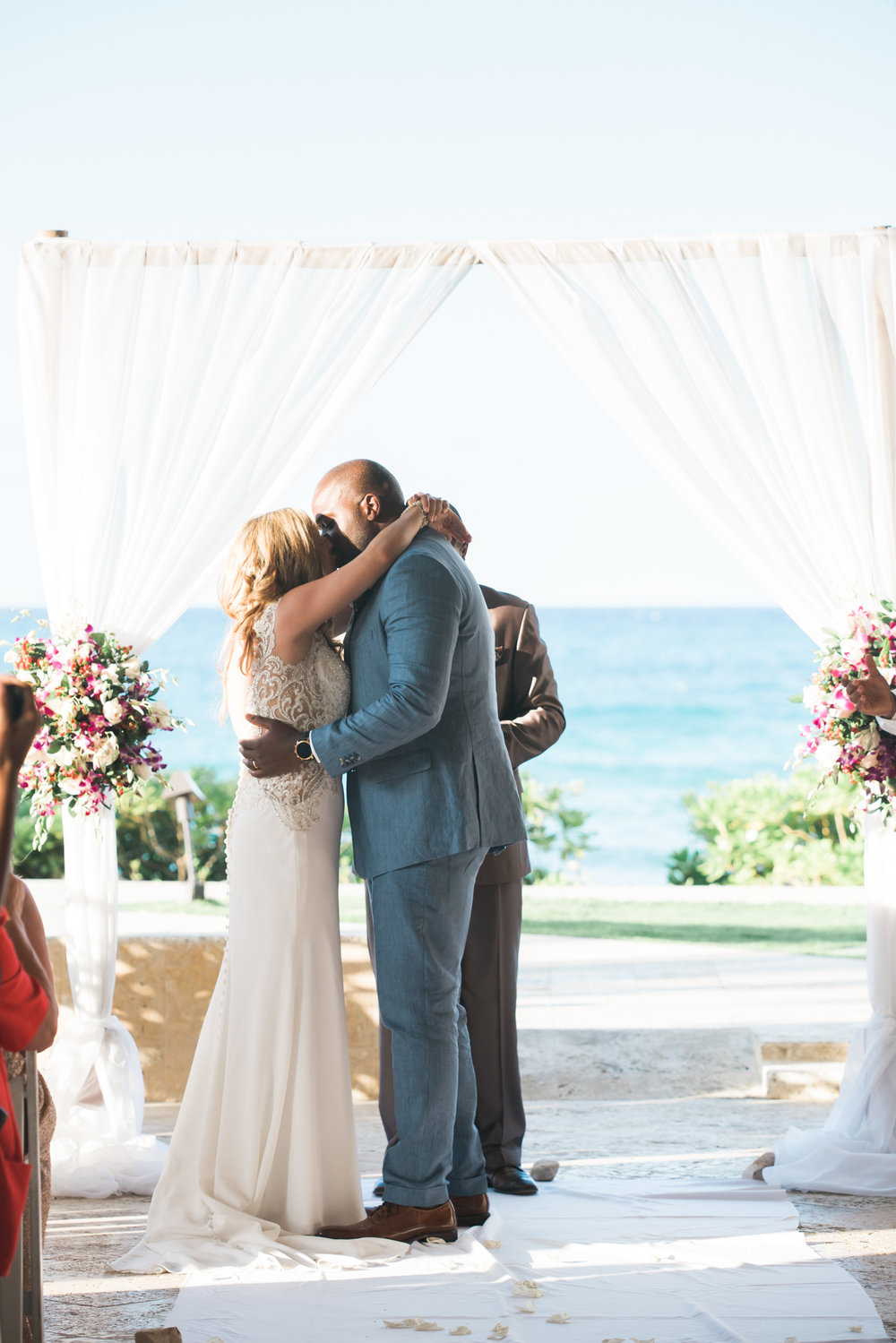 first-kiss, destination-wedding, Montego-bay-wedding-photographer