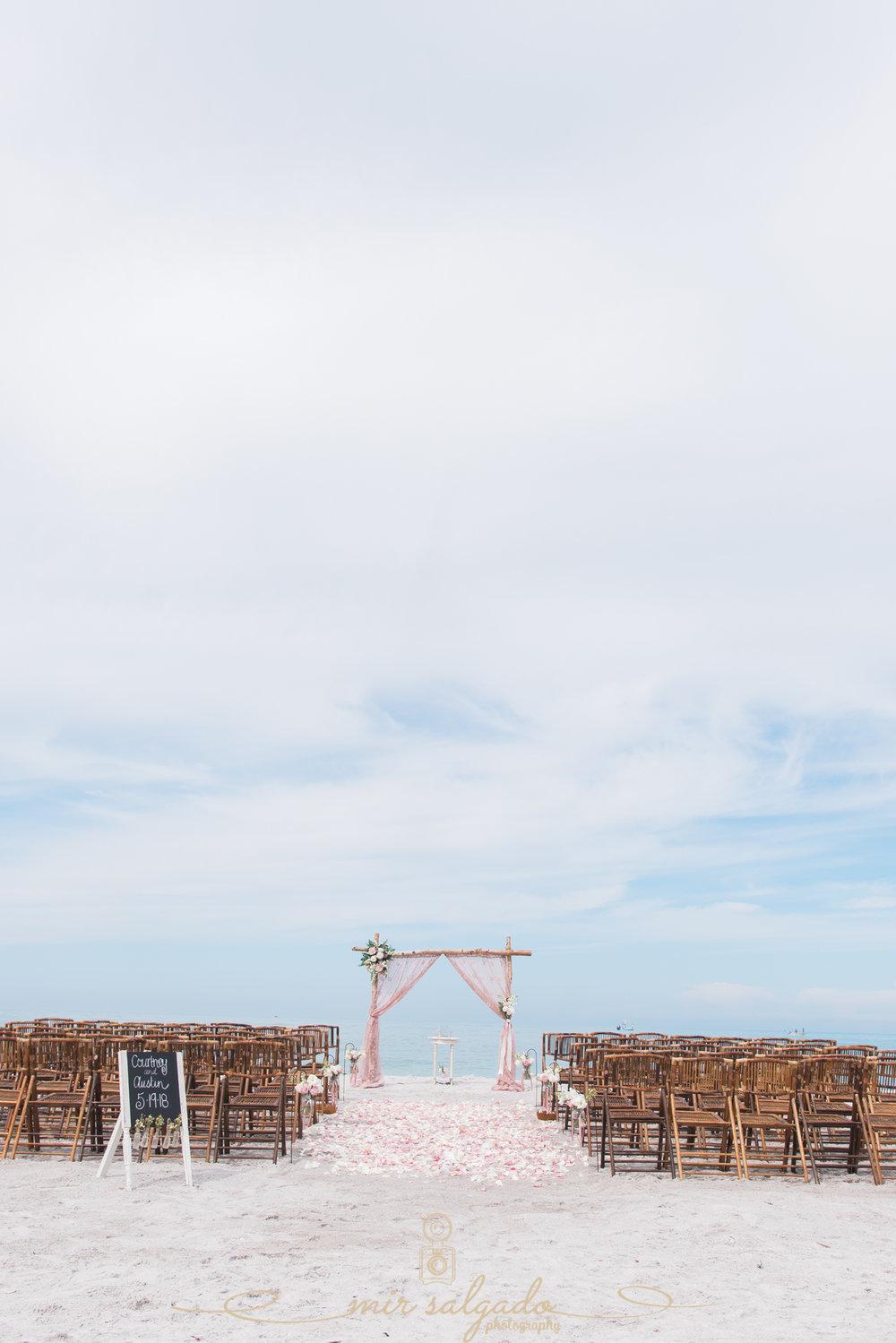 Ted-Sperling-par, Sarasota-beach-wedding, Sarasota-beach-wedding-photo-decoration