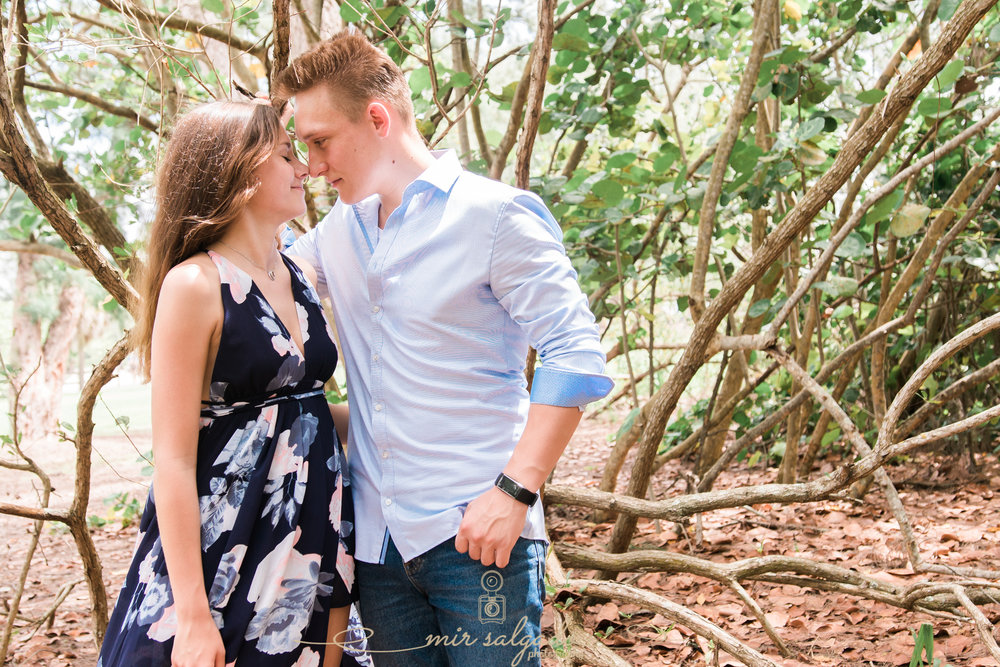 tampa-photographer-couple-session, sarasota-lido-key-beach, couples-portrait-session