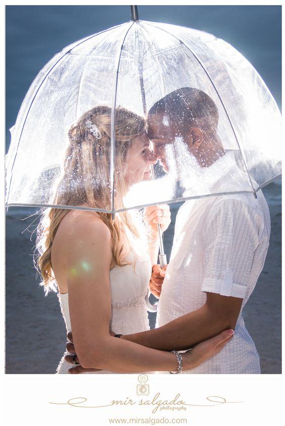 umbrella-wedding-photography-backlighting-backlit-beautiful