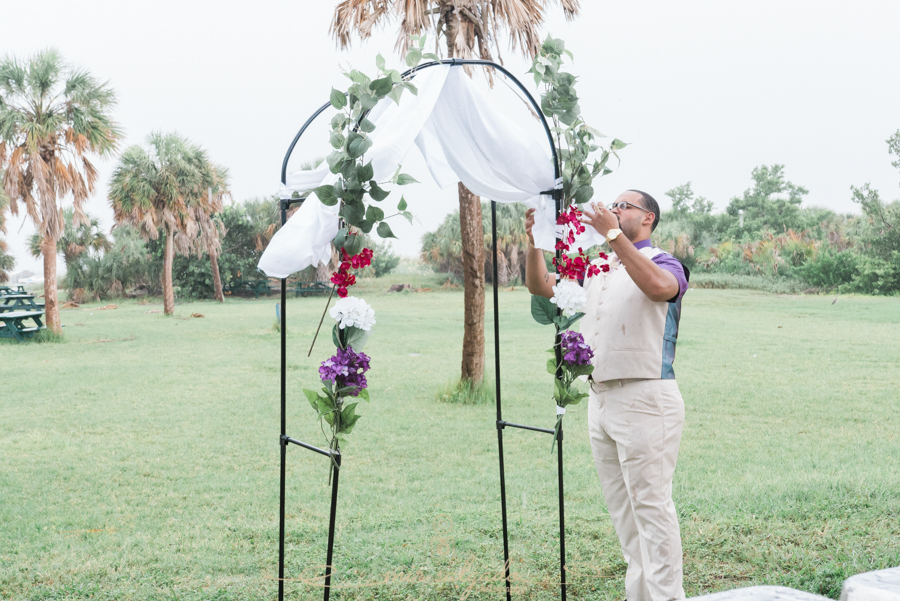 Fort-De-Soto-beach-pictures-flowers-flower-wedding-tan-suit-tampa-photography