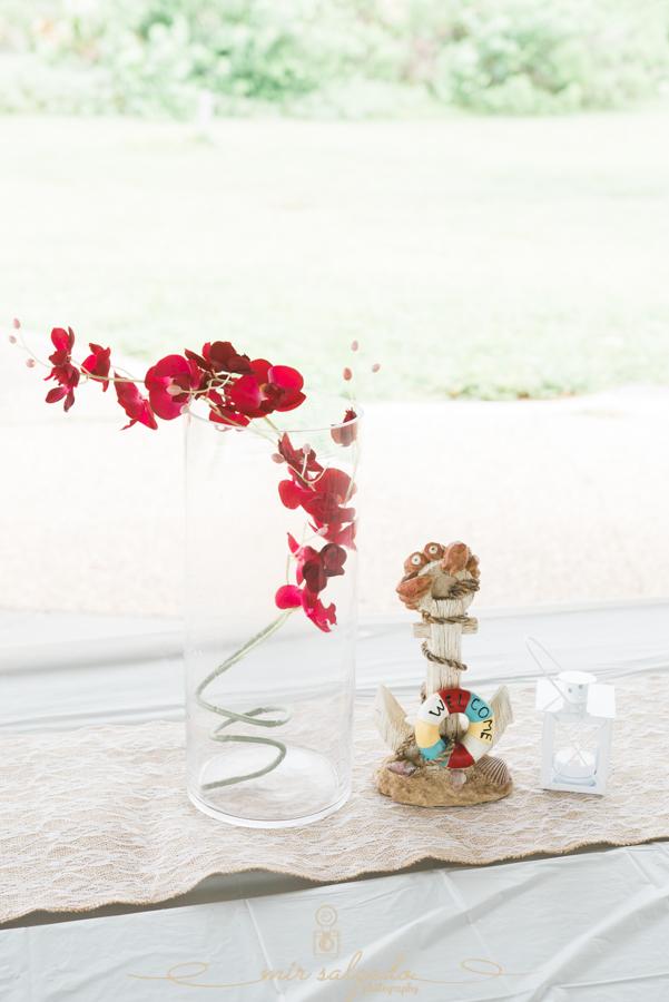 Fort-De-Soto-beach-pictures-flowers-wedding-decor