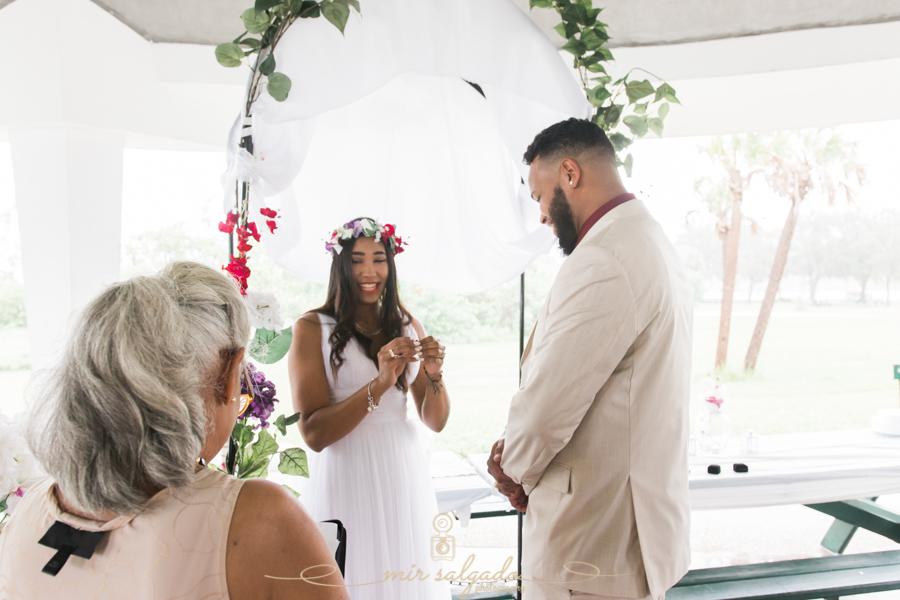 Fort-De-Soto-beach-pictures-flowers-wedding