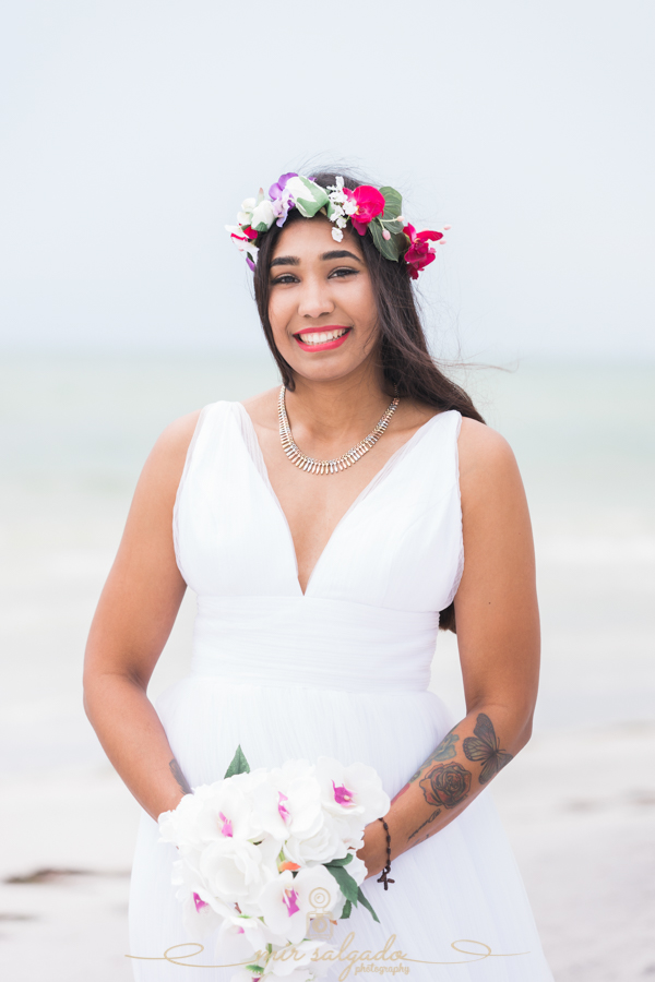Fort-De-Soto-beach-pictures-flowers-white-table-cloth-green-tables-setting-up, Tampa-wedding-photographer