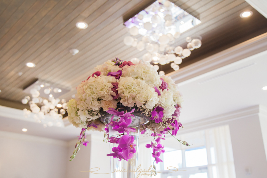white-purple-flower-centerpiece, tampa-florida-photography, tampa-photographer