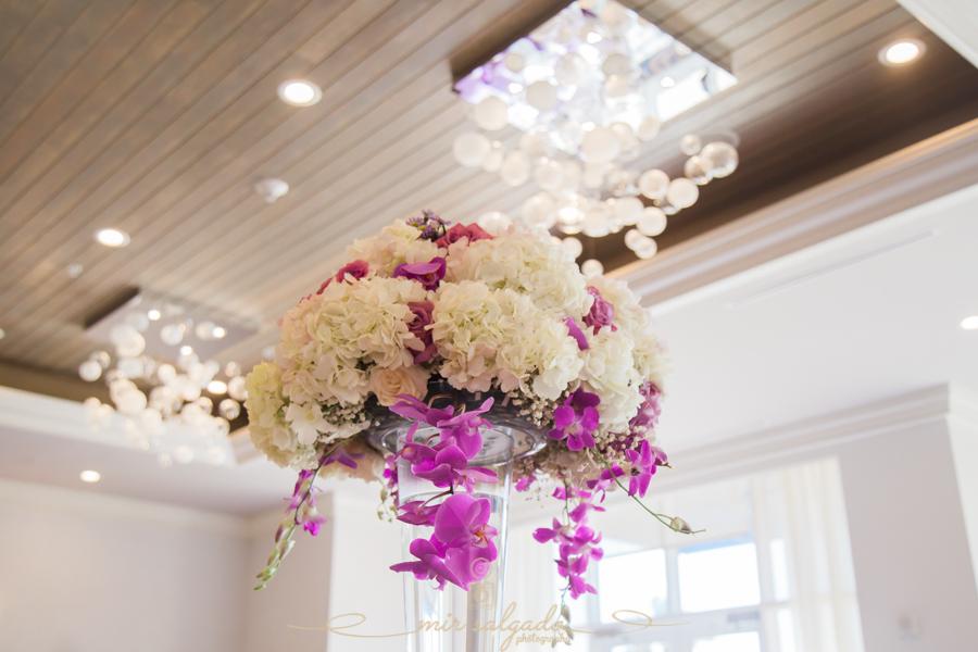 white-purple-flower-centerpiece, tampa-florida-photography, tampa-photographer