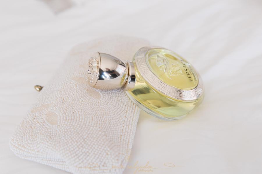 bride-perfume, sweet-scents, wedding-photos