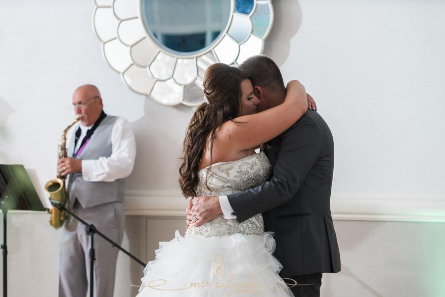 Hyatt-clearwater-beach-resort-spa, Tampa-wedding-photographer, bride-groom-session, bride-groom-first-dance