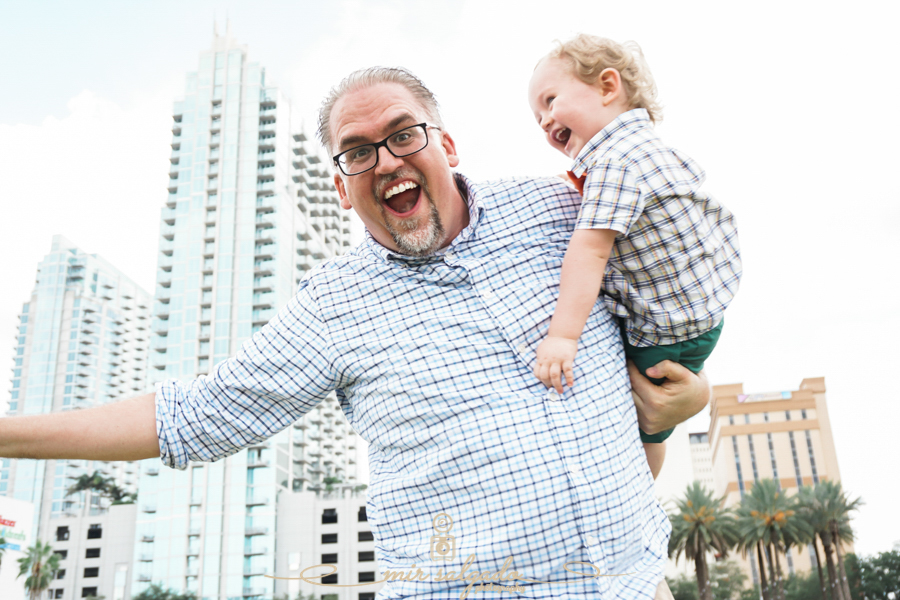 chasing-little-ones, tag-with-mom-dad, Downtown-Tampa, Glazer-museum