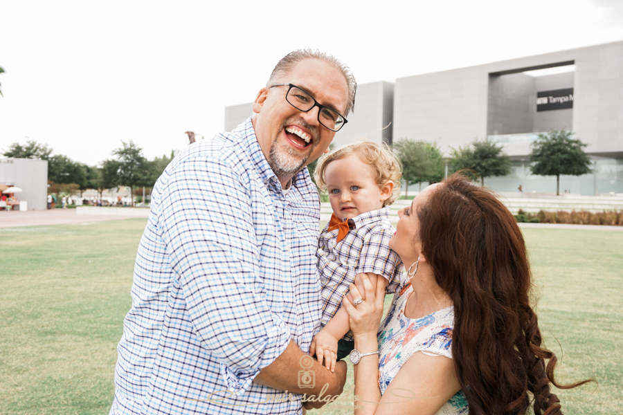 sweet-family-session, Tampa-family-photography, Downtown-Glazer-museum