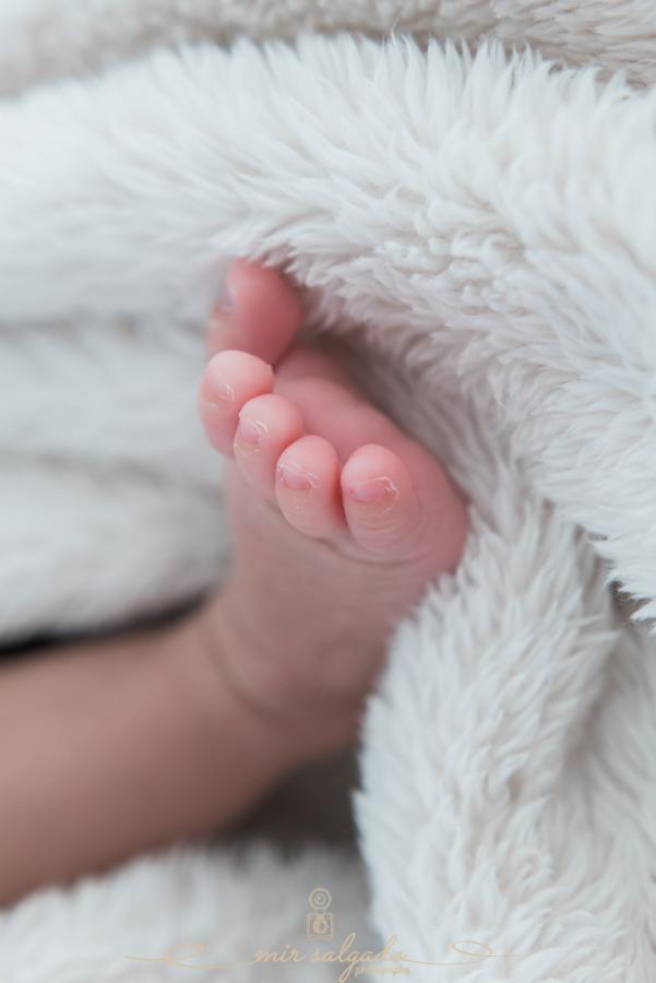 cute-baby-feet, fluffy-blanket, little-toes