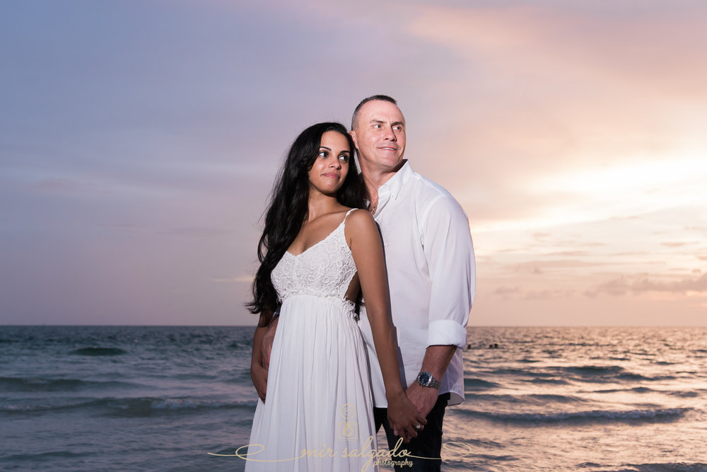 beach-engagement-photos, tampa-beach-engagement-photoshoot, tampa-wedding-photographer