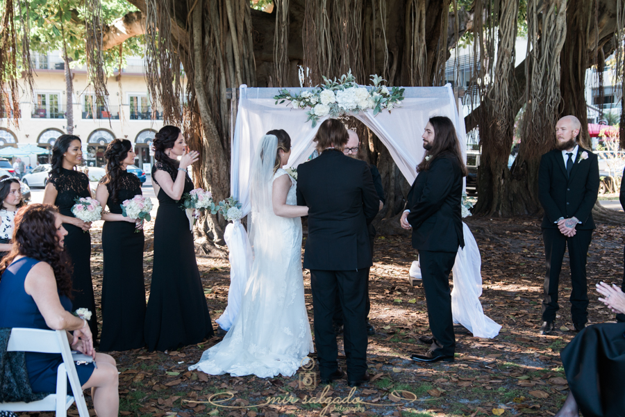 St.Pete-wedding-ceremony, Straub-Park-wedding, Tampa-photographer