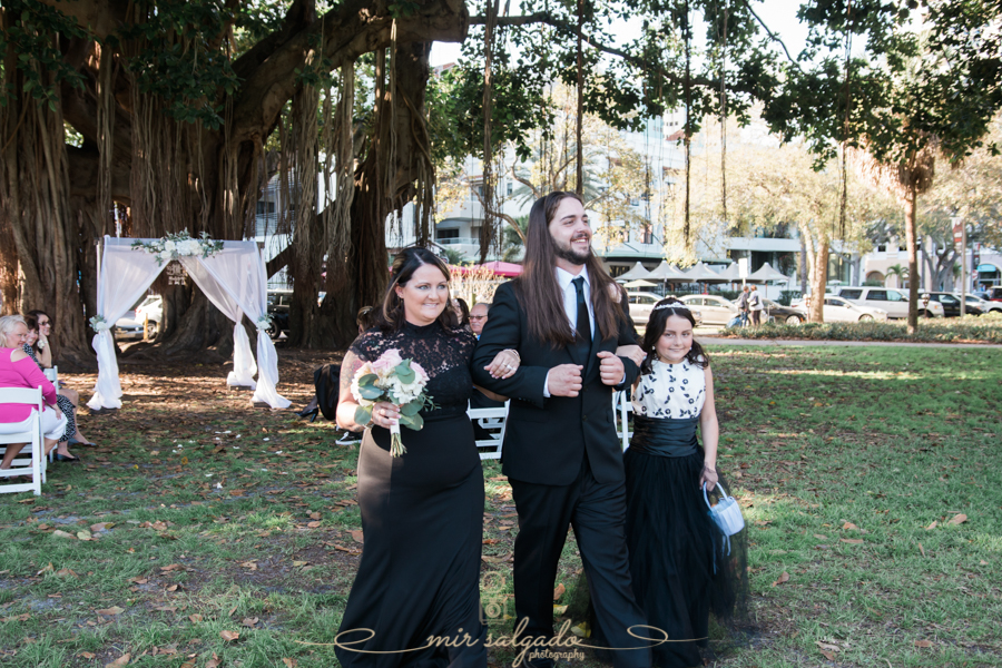 bridal-party-walking, St.Pete-wedding-photo