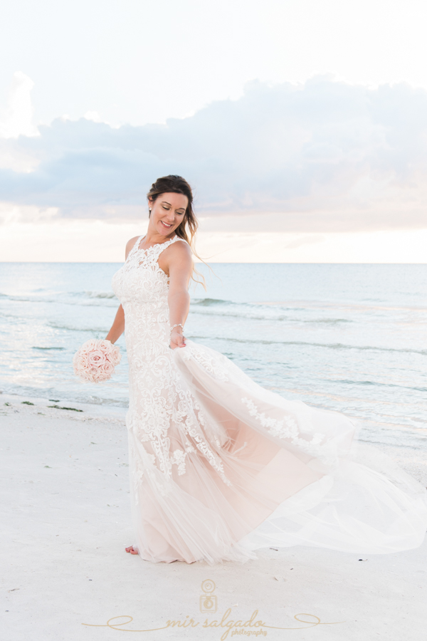 bride-wedding-photo, beach-wedding, bride-photo