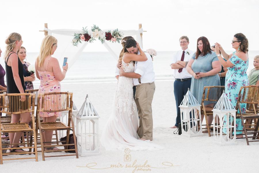 St.Pete-wedding, St.Pete-wedding-photographer, Tide-the-knot-beach-weddings