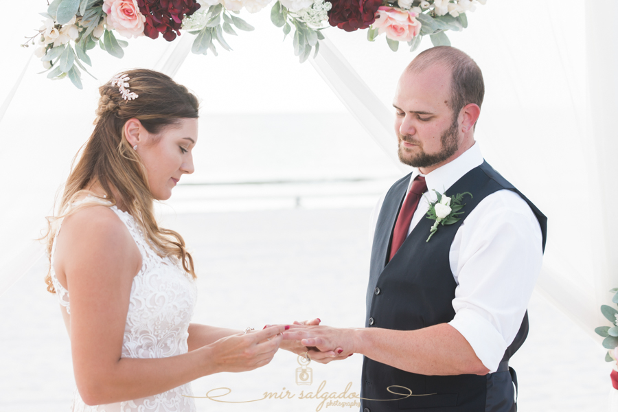 ring-vows-photo, St.Pete-beach-wedidng-photo, bride-and-groom