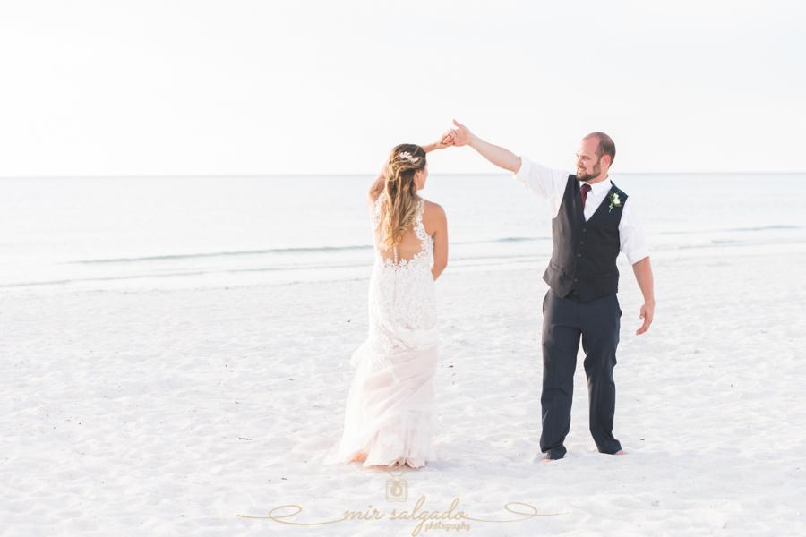 St.Pete-beach-wedding, Beach-wedding-photographer, Tapa-wedings