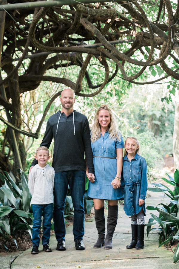 St.Pete-sunken-gardens, family-session-in-St.Pete