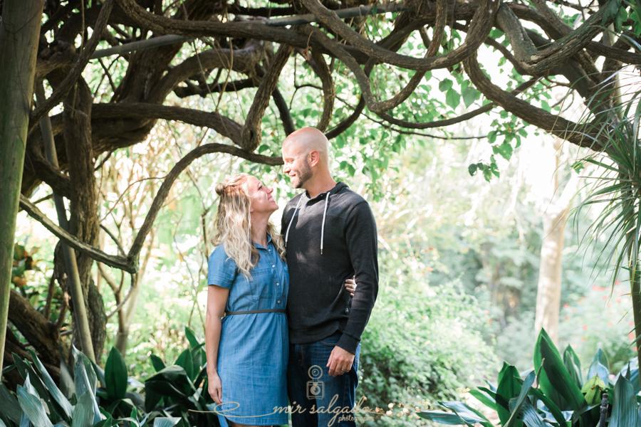 St.Pete-photographer, Tampa-photographer, Sunken-gardens-couple-photo