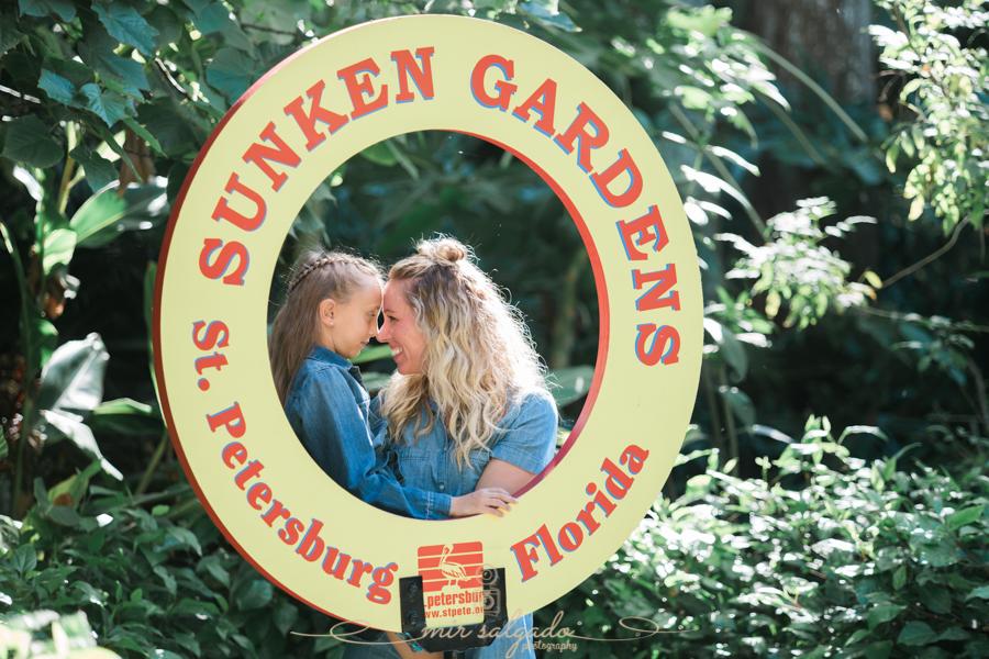 St.Pete-family-photographer , Sunken-gardens-family-photo