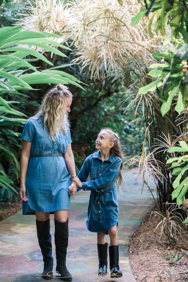 Sunken-gardens-family-photo, St.Pete-photographer