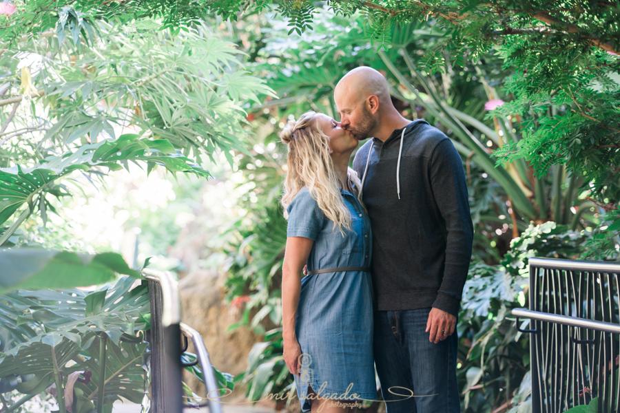 Sunken-gardens-couple-photo, St.Pete-wedding-photgrapher