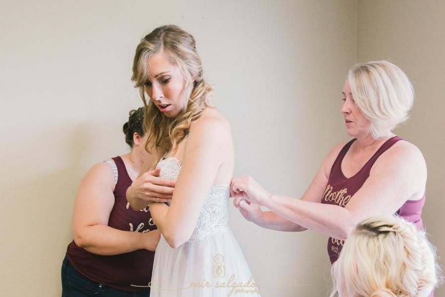 getting-ready-photo, bride-getting-ready-photo