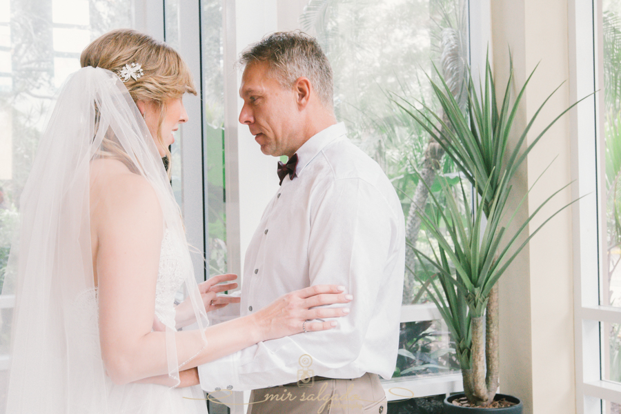 bride-and-dad-first-look, Tampa-wedding-photographer