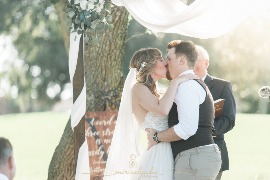 first-kiss, wedding-ceremony-photo