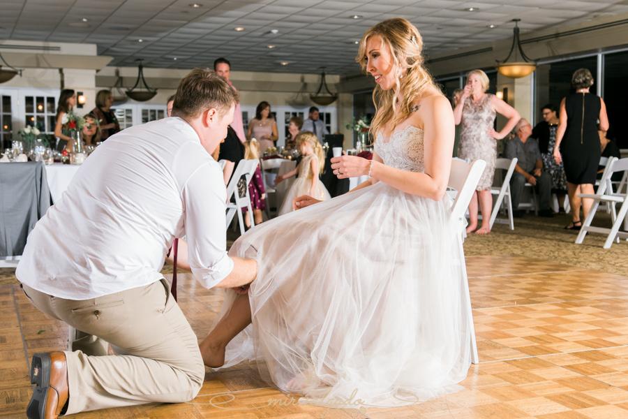 garter-toss, wedding-photography