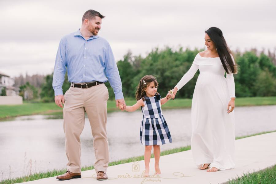 Maternity session-105.jpg