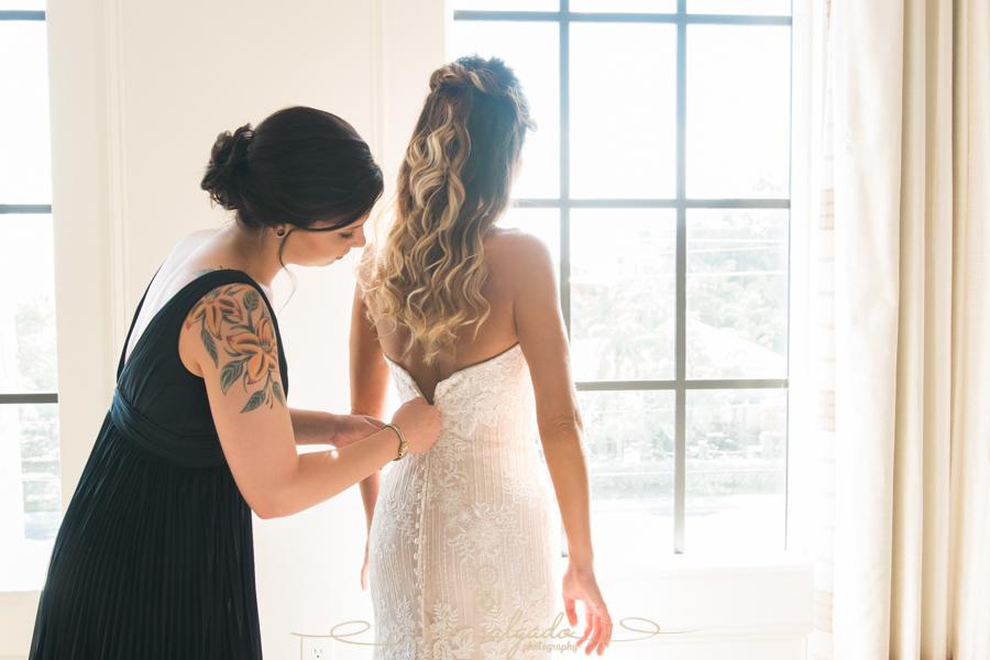 bride-getting-ready-photo, Tampa-wedding-photographer