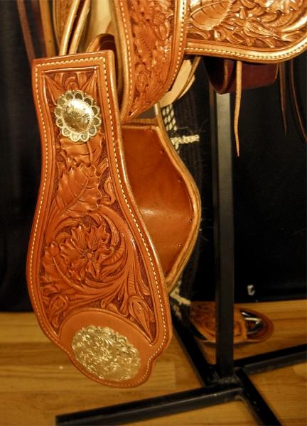 Saddles »