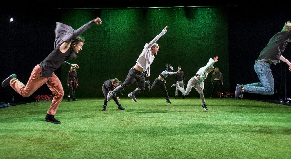 Guerrilla - Danstheater AYA & DOX-27.jpg