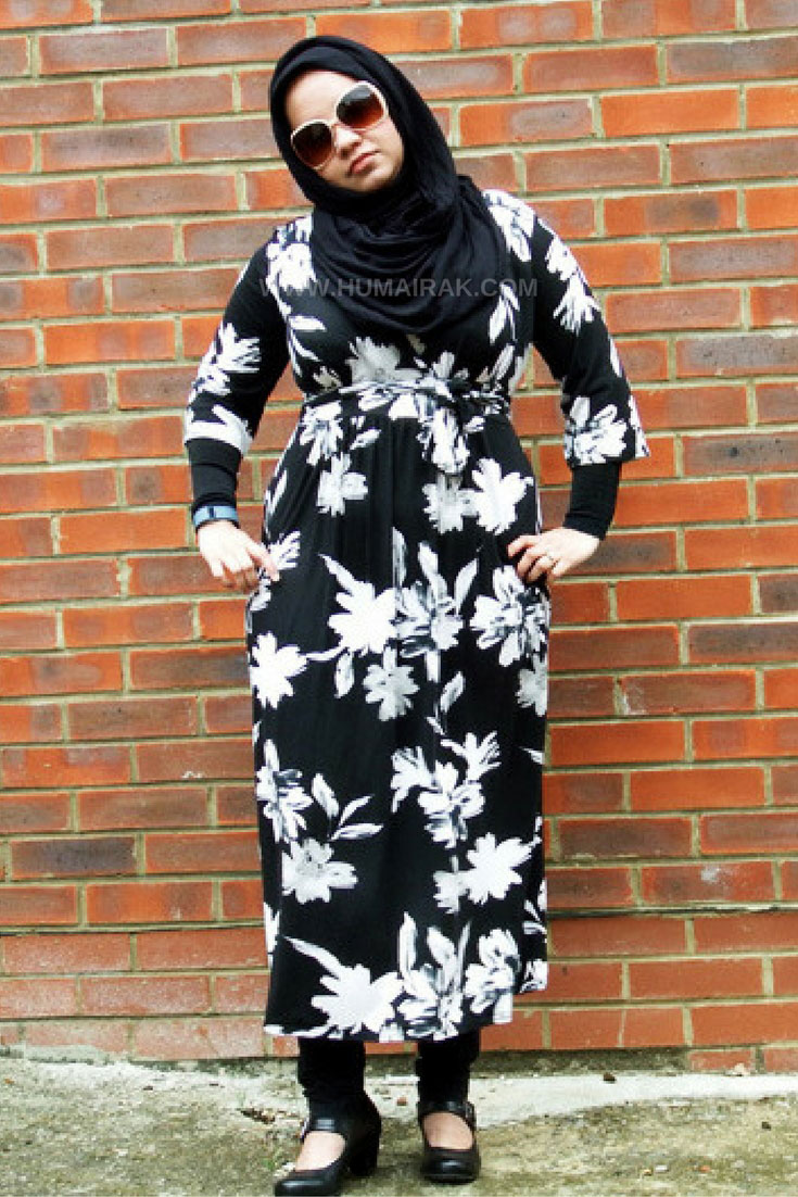 How to style a Midi Wrap Dress with Hijab - The dress is the perfect way to look professional and polished at work. This midi length wrap dress can be styled with leggings and sleeves to make it more modest friendly. | Humairak.com