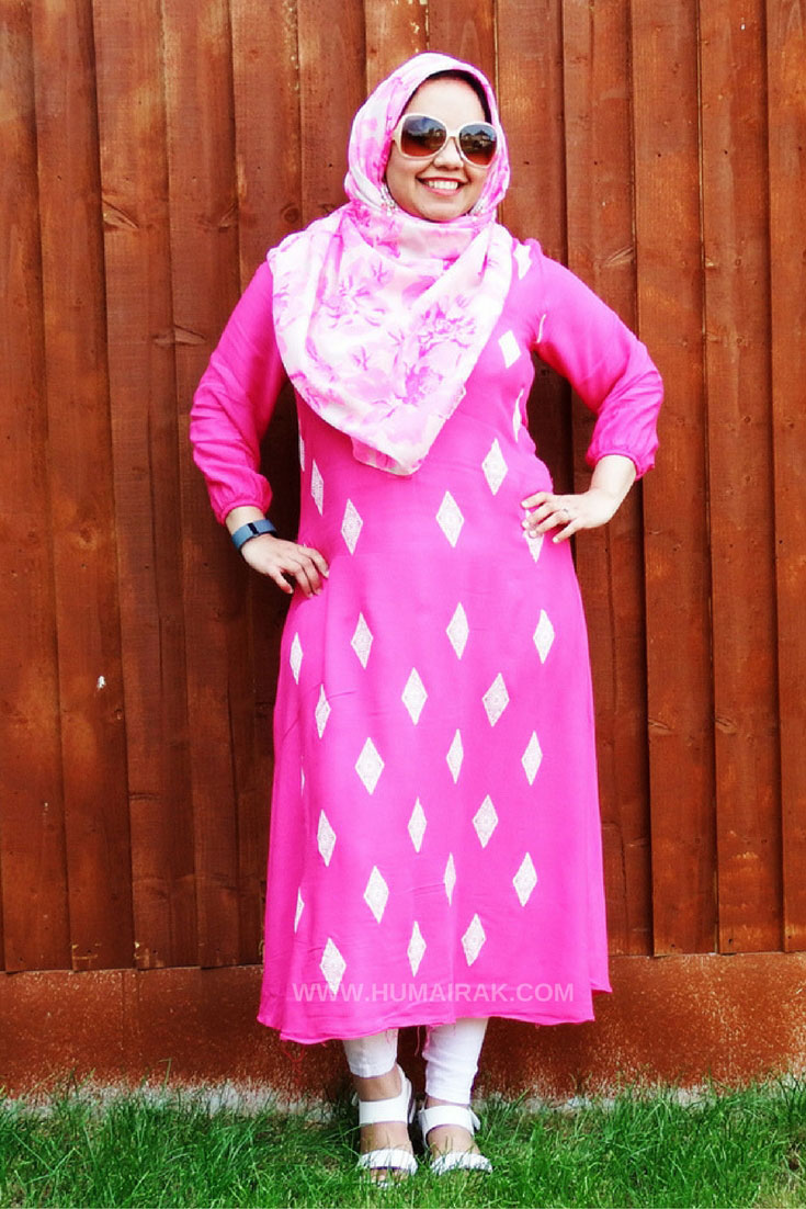 How to style a Pink Kurti With Hijab - Perfect summer outfit to keep cool in the heat, these long tunics offer a colourful solution on how to stay modest and comfortable | Humairak.com