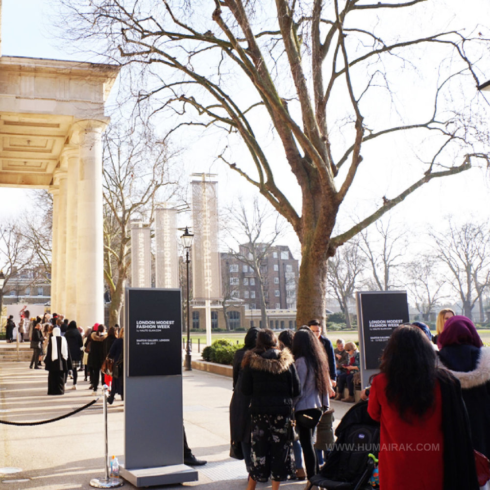 Queues at London Modest Fashion Week 2017 | Humairak.com