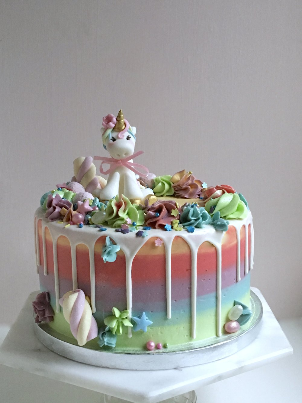 Pastel Unicorn cake by Yolk www.cakesbyyolk.com